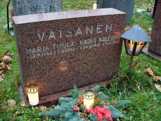 Isän ja siskon hauta 5.11.2005