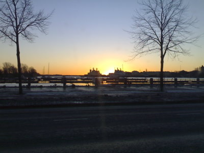Aurinko nousee