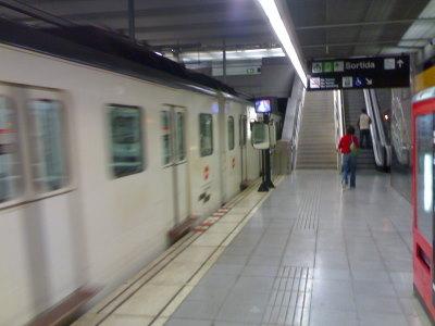 Metrolla pääsee helposti ja nopeasti