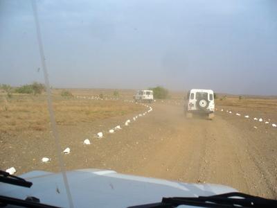 Jeeppiletka autiomaassa