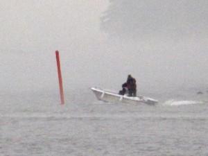 Aina kannattaa seistä veneessä sepalus auki