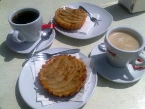 Kahvia ja omenapaakkelsia