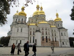 Eräs luostarin kirkoista