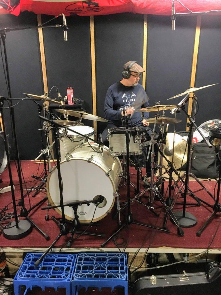 Juha ja studion kannut